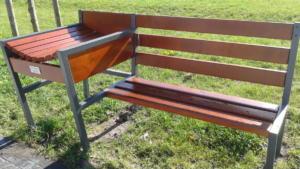 Park Rataje - ławka do przewijania dzieci